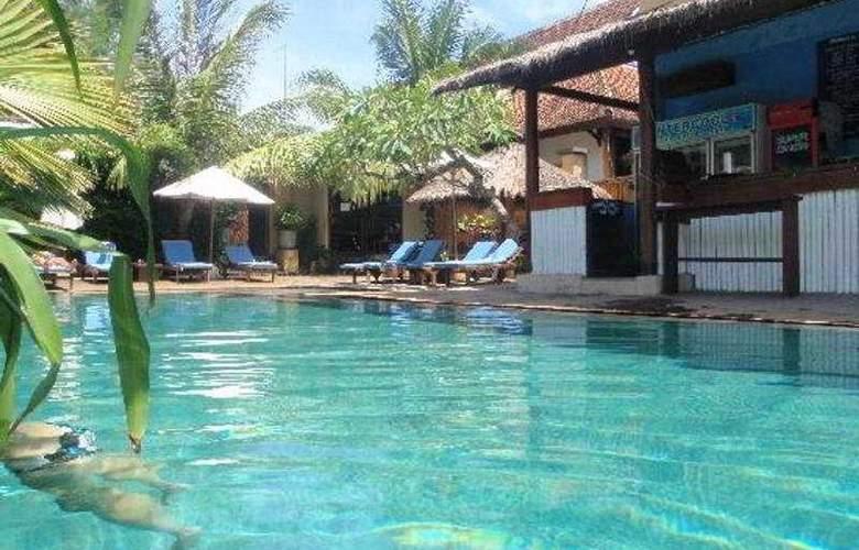 The Beach House Resort - Pool - 6