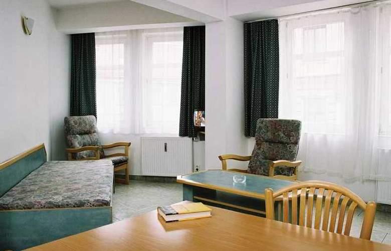 Amadeus Aparthotel - Room - 2
