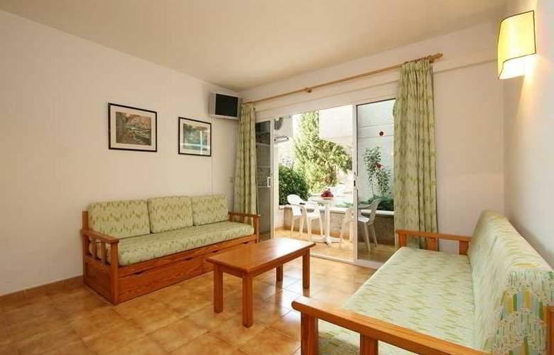Massol Apartamentos - Room - 0