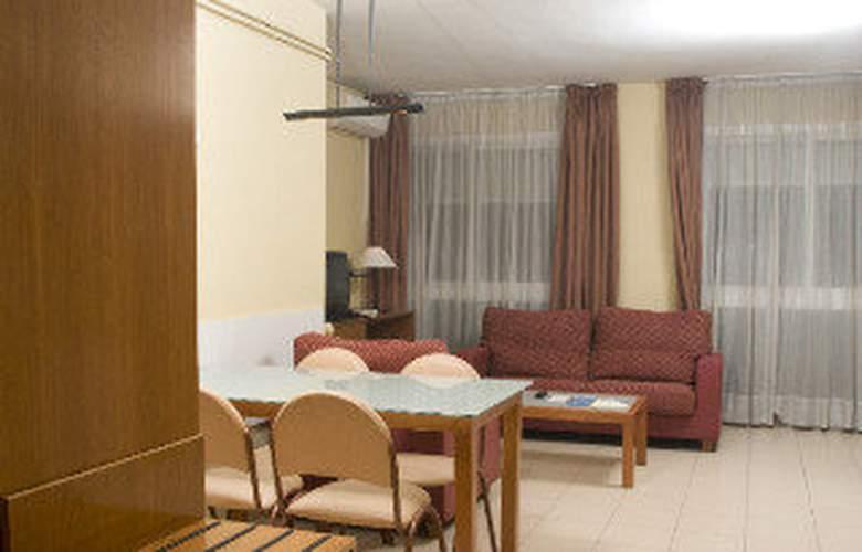 Aparthotel Bertran - Room - 1