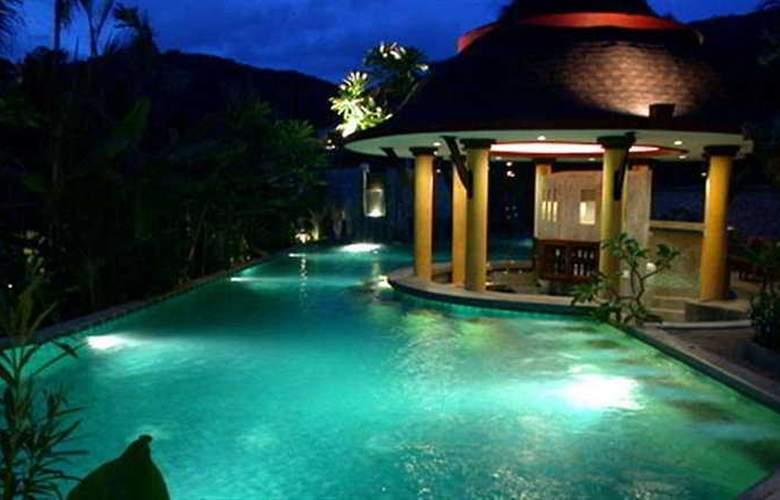 Village Resort & Spa - Pool - 6