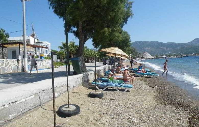 Family Belvedere - Beach - 16