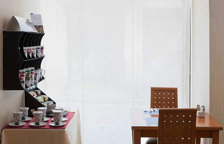 Hesperia Barri Gotic - Restaurant - 3