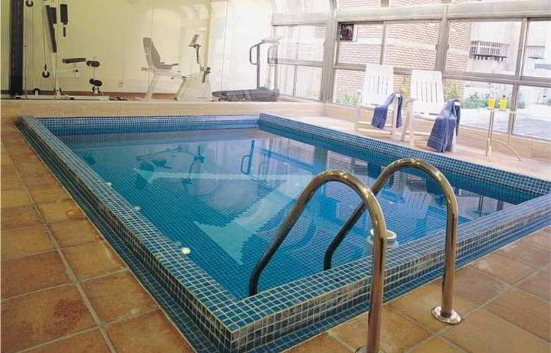 Armon Suites - Pool - 20