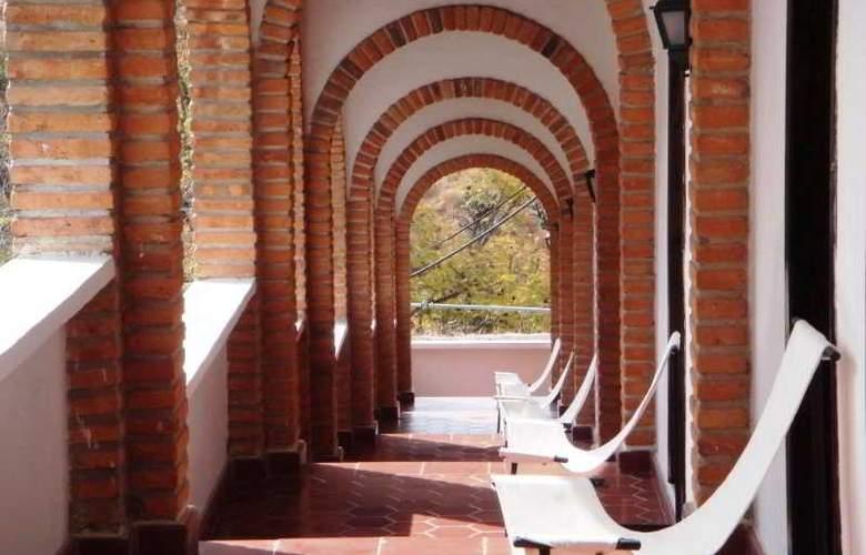 Rancho Hotel El Atascadero - Hotel - 6