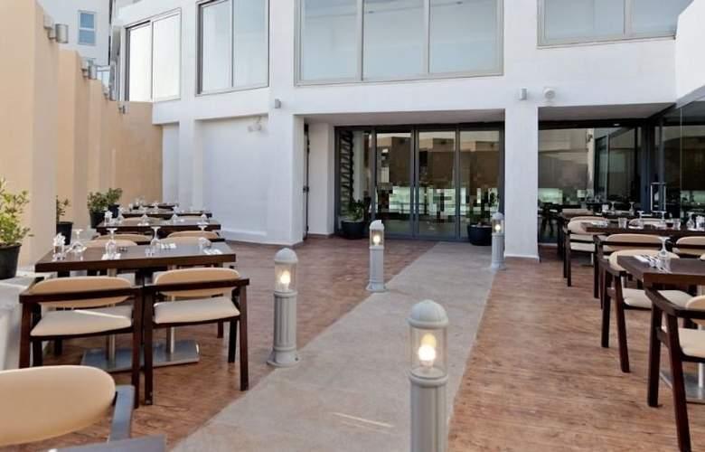 db Seabank Resort + Spa - Terrace - 12