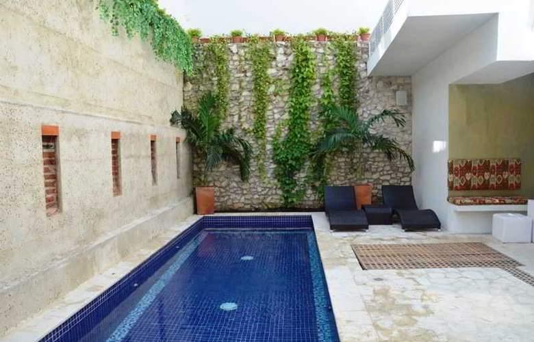 Badillo Hotel Galeria - Pool - 9