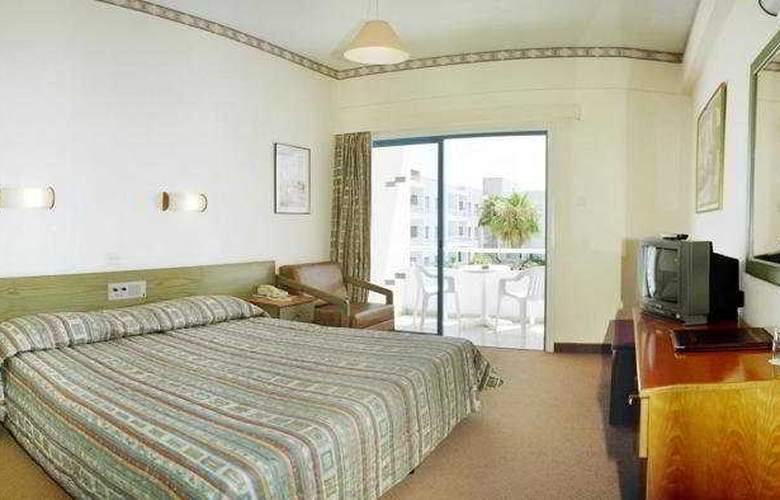 Mayfair Gardens - Room - 0