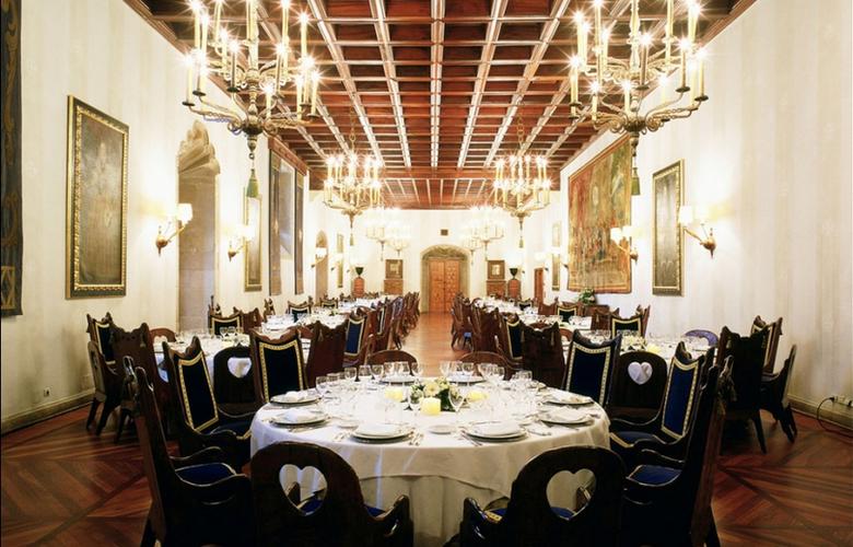 Parador de Santiago de Compostela - Hostal dos Reis Católicos - Restaurant - 13