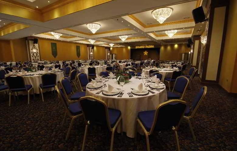Grand Pasha Hotel & Casino - Restaurant - 4