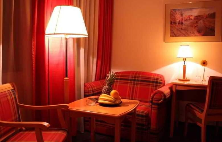 Trans Hotel - Room - 8