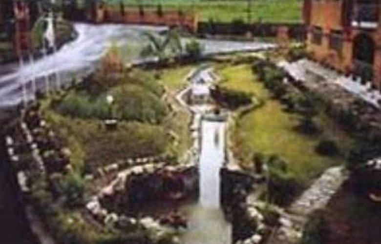 Royal Palm Resort - Pool - 0