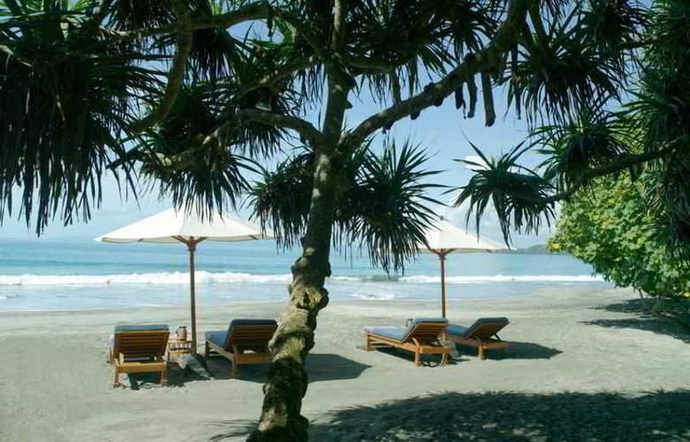 Amankila - Beach - 21
