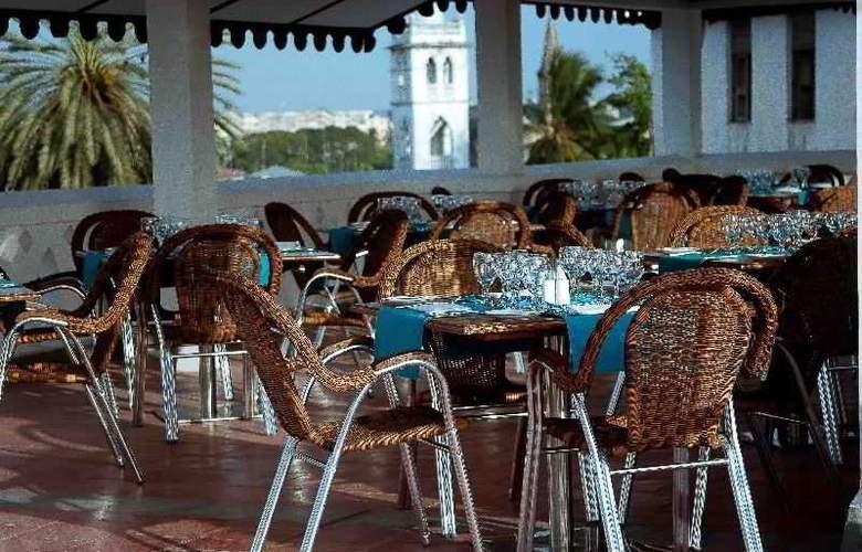 Maru Maru Hotel - Terrace - 4