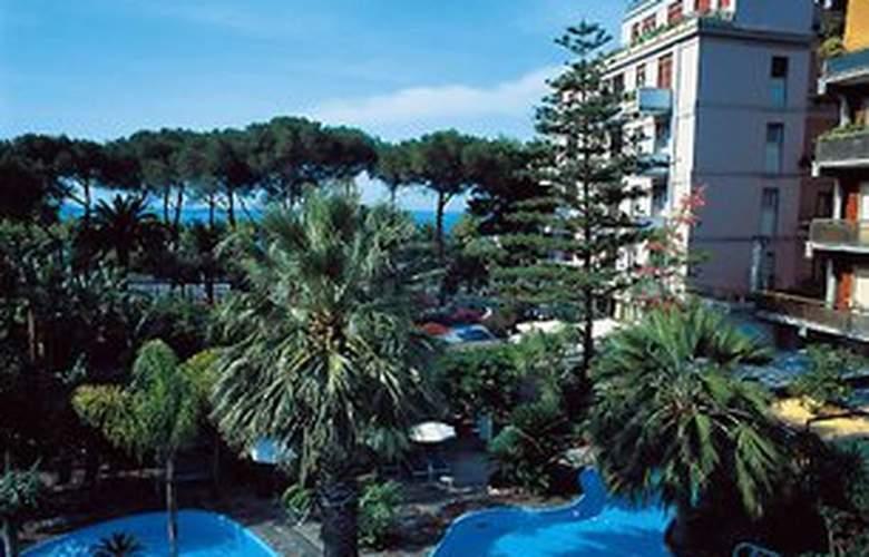 Reginna Palace - Hotel - 0