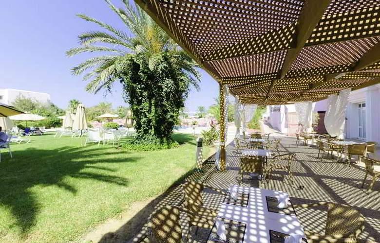 Regency Tunis - Terrace - 10