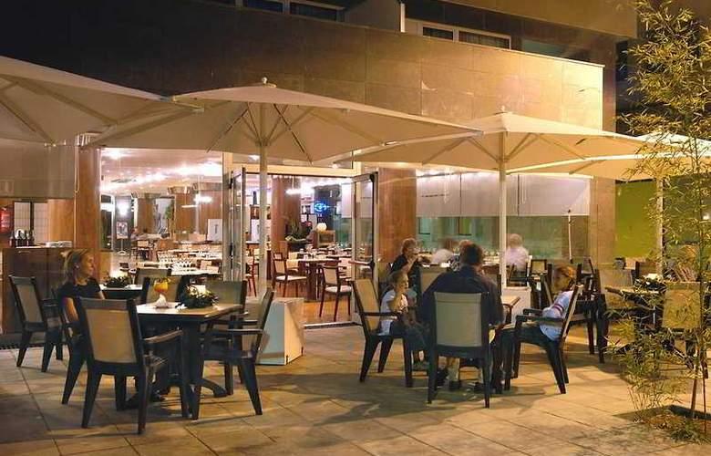 Evenia Rossello - Bar - 4