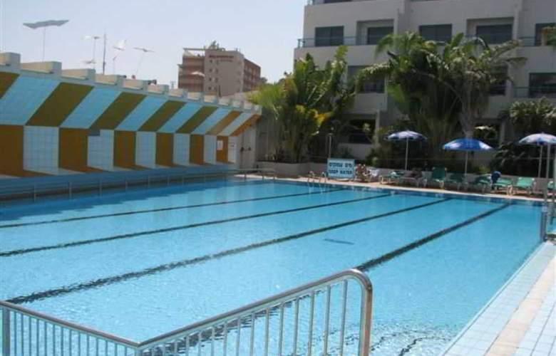 Nova Like Hotel - Pool - 20