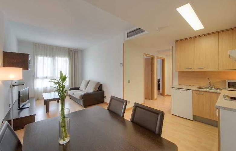 Tryp Madrid Airport Suites - Room - 12