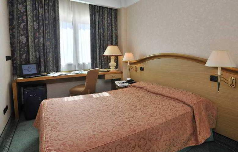 Perugia Plaza - Room - 3
