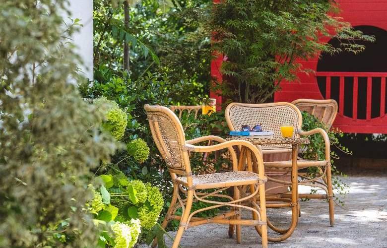 Ibis Styles Paris Nation Cours de Vincennes - Terrace - 3