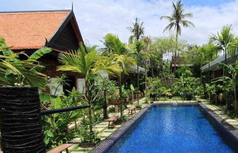 Petit Villa Boutique & Spa - Pool - 4