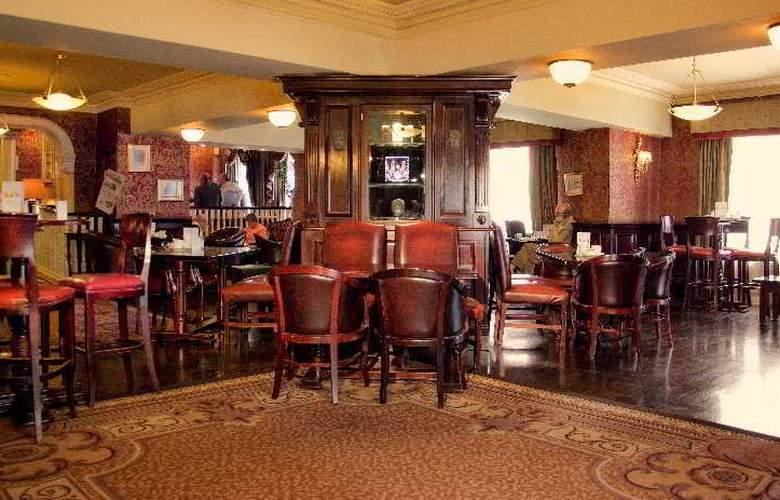 Buswells Dublin - Bar - 10