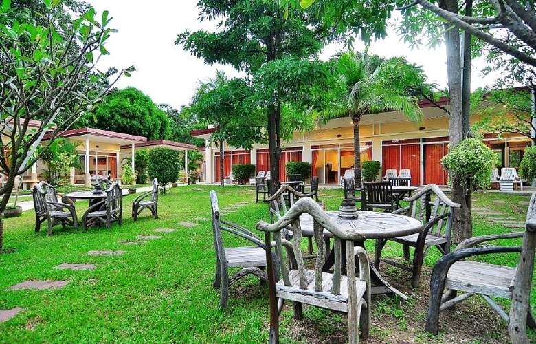 Phuket Sea Resort (formely Maalai Resort) - Terrace - 11