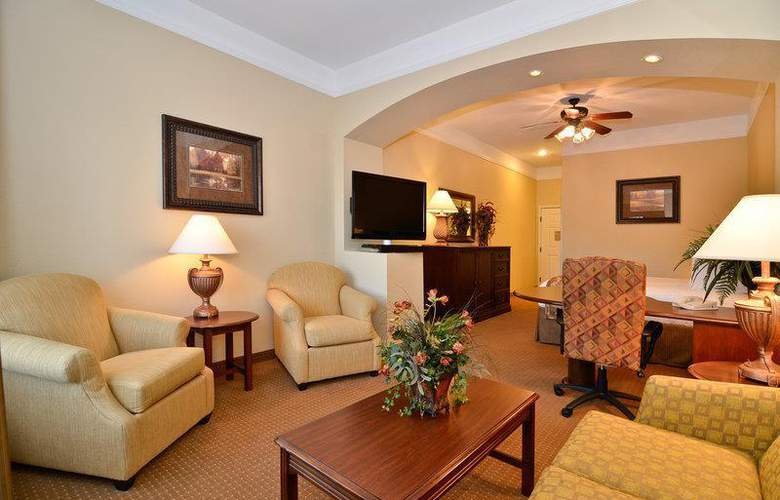 Best Western Plus Monica Royale Inn & Suites - Room - 129