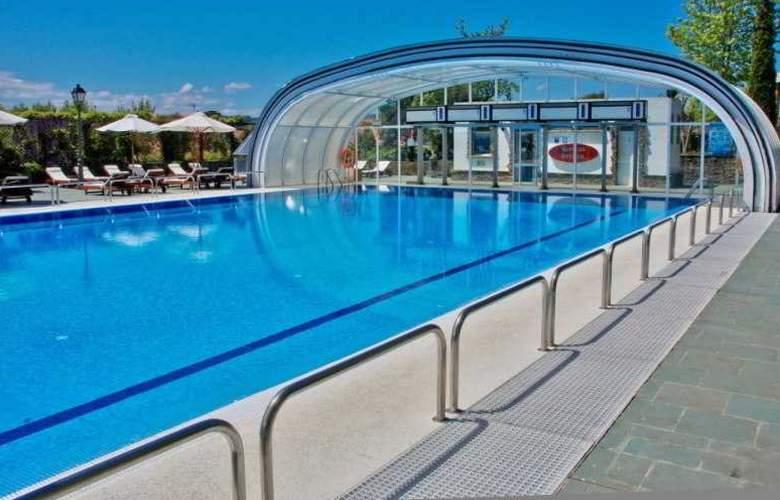 Pazo do Rio Hotel & Apartamentos - Pool - 10
