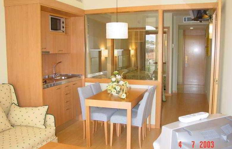 Olympic Suites - Room - 3