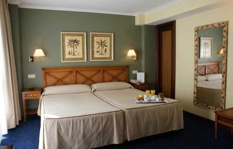 San Sebastian - Room - 2