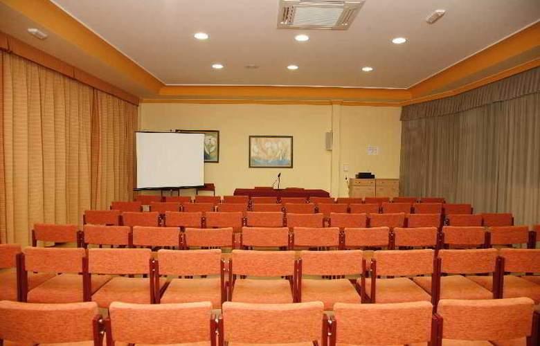 Mari Carmen - Conference - 15
