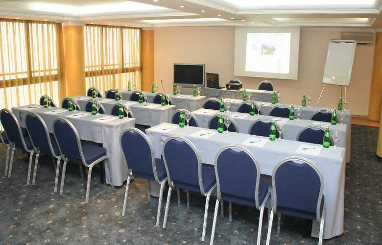 Castello City - Conference - 17