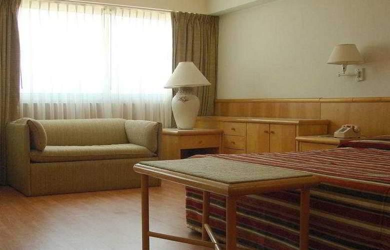 Lafayette - Room - 4