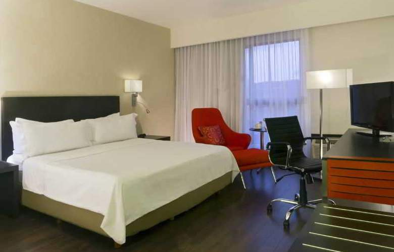 Fiesta Inn Leon - Room - 0