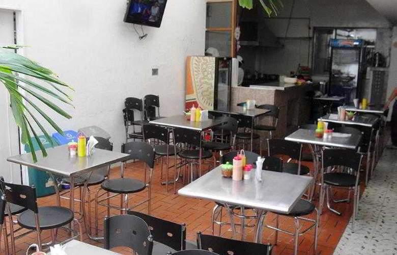 Hotel Conquistadores - Restaurant - 2