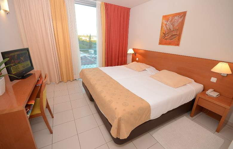 Hotel Sao Sebastiao - Room - 3