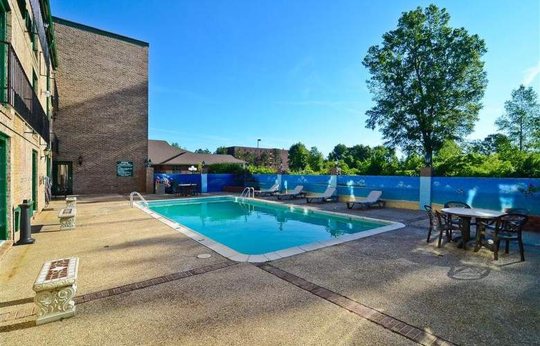 Best Western Chateau Louisianne - Pool - 165