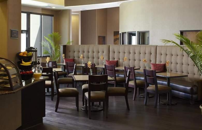 Best Western Plus Atrea Hotel & Suites - Restaurant - 61
