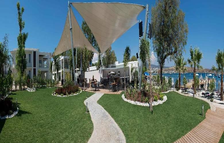 Ramada Resort Bodrum - Beach - 37
