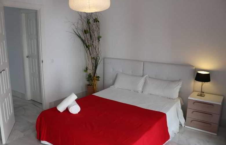 AT Palacio de Luja - Room - 8