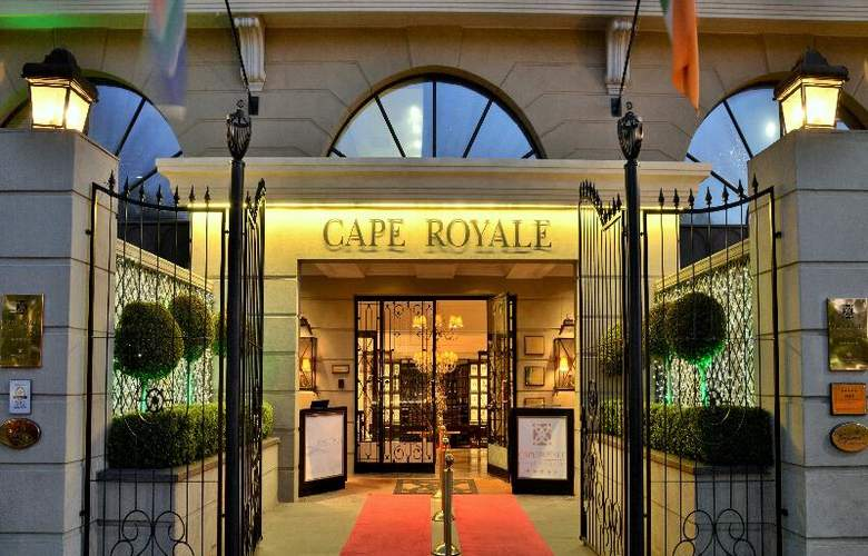 Cape Royale Luxury Hotel and Residence - Hotel - 6