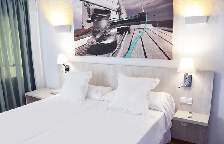 Playasol Tivoli - Room - 2