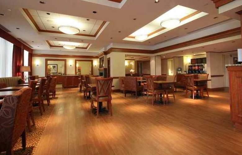 Hampton Inn Portland-Airport - Hotel - 1