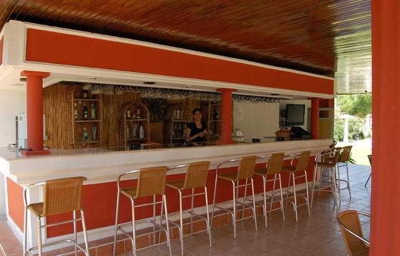 Grand Emir Hotel & SPA - Bar - 7