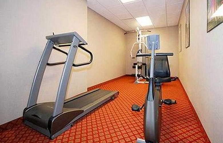 Comfort Suites (Raleigh) - Sport - 9