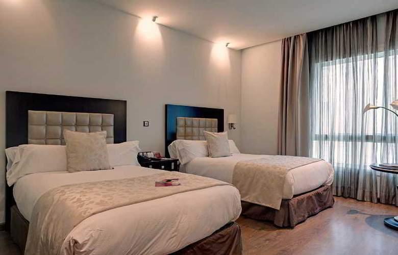 Crowne Plaza Madrid Airport - Room - 18