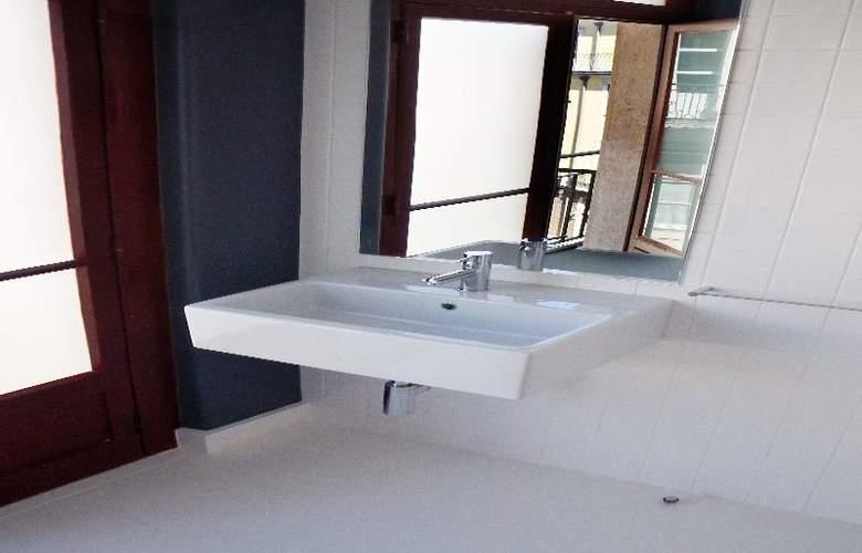 Hostel4U - Room - 4