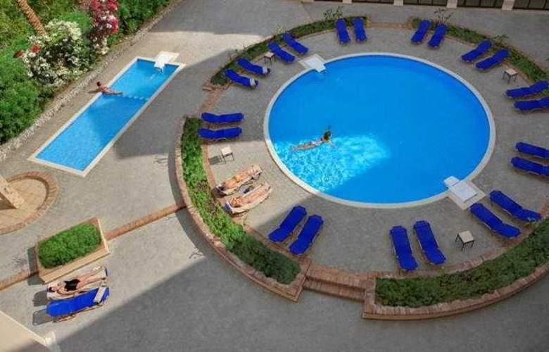 Sol Y Mar Ivory Suites - Pool - 3
